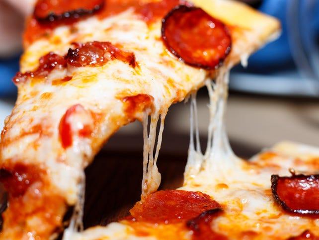 Take advantage of this great deal at La Famiglia Pizza & Pasta!
