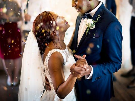 couple_dancing_wedding