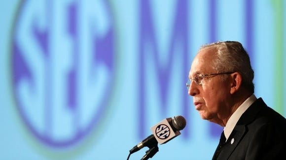 SEC Commissioner Mike Slive responds to ruling in the Ed O'Bannon case