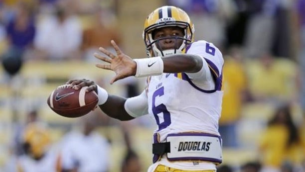 After struggling with mobile quarterbacks for the first two weeks of 2015 season, Auburn will face LSU quarterback Brandon Harris Saturday in Tiger Stadium.