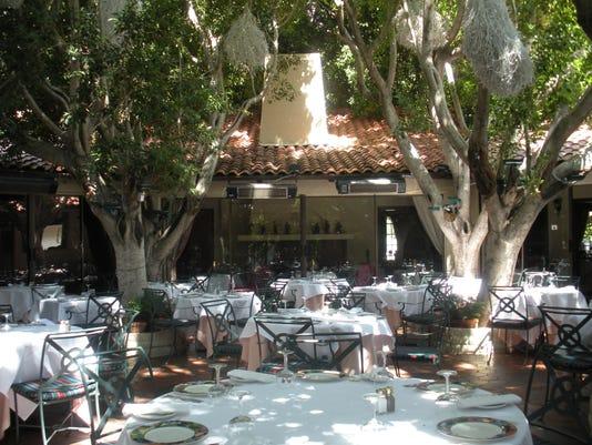 635876898138877328-Le-Vallauris-patio-restaurant-week.JPG