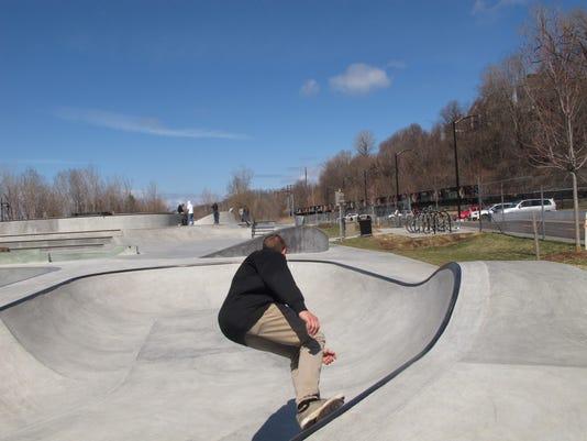 bur20160409 Skate park5.JPG