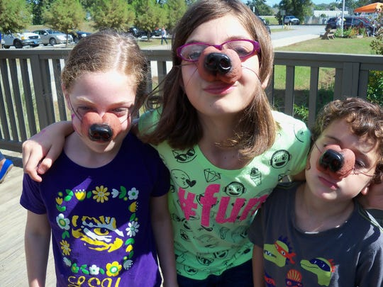 Several youngsters won coyote noses for participating