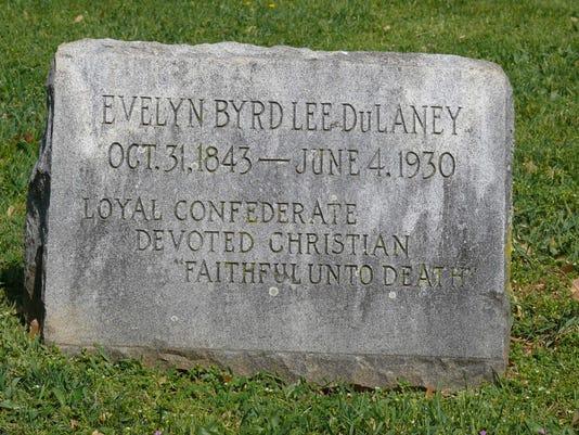 Evelyn-Lee-DuLaney-tombstone.jpg