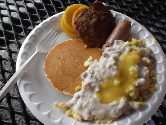 A breakfast buffet is offered for attendees to appreciate