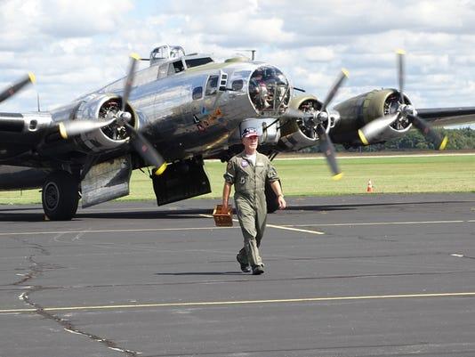 Wings-and-Wheels-Fly-In-B-17-promo-flight-02.JPG