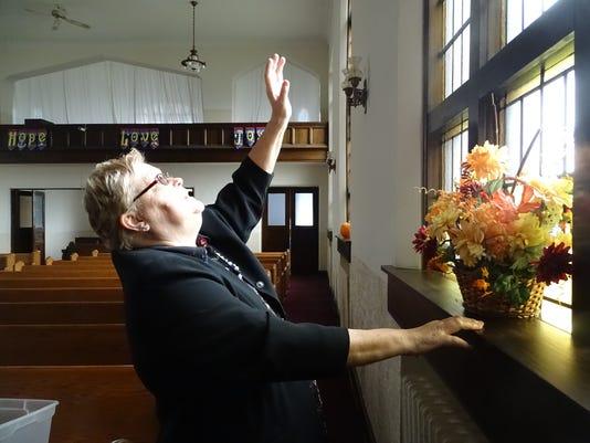 Gale-Green-First-United-Church-of-Christ-closing-01.JPG