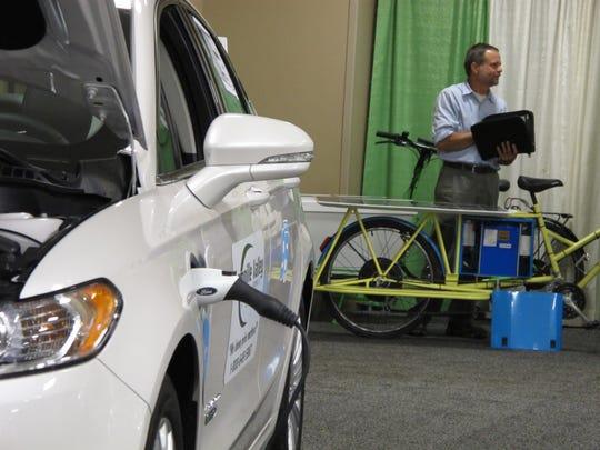 Karl Kemnitzer's solar-charging cargo bikes share floor
