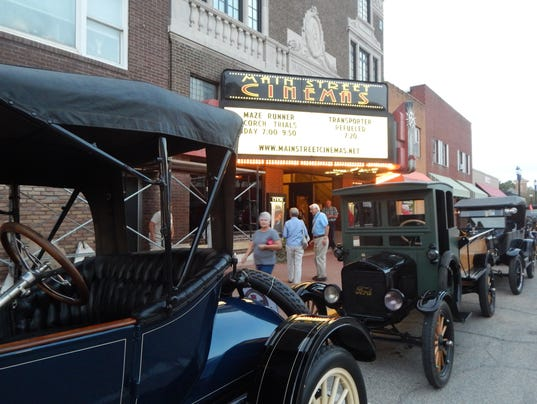Red Flag Horseless Carriage Tour In Iowa