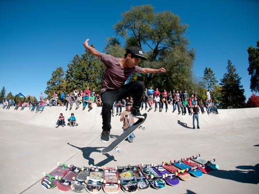 Photo -- skateboard event