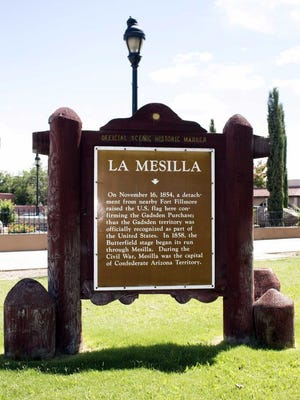 A sign at the Parque de Los Veteranos de La Mesilla denotes the town as capital of the Confederate Arizona Territory during the Civil War.