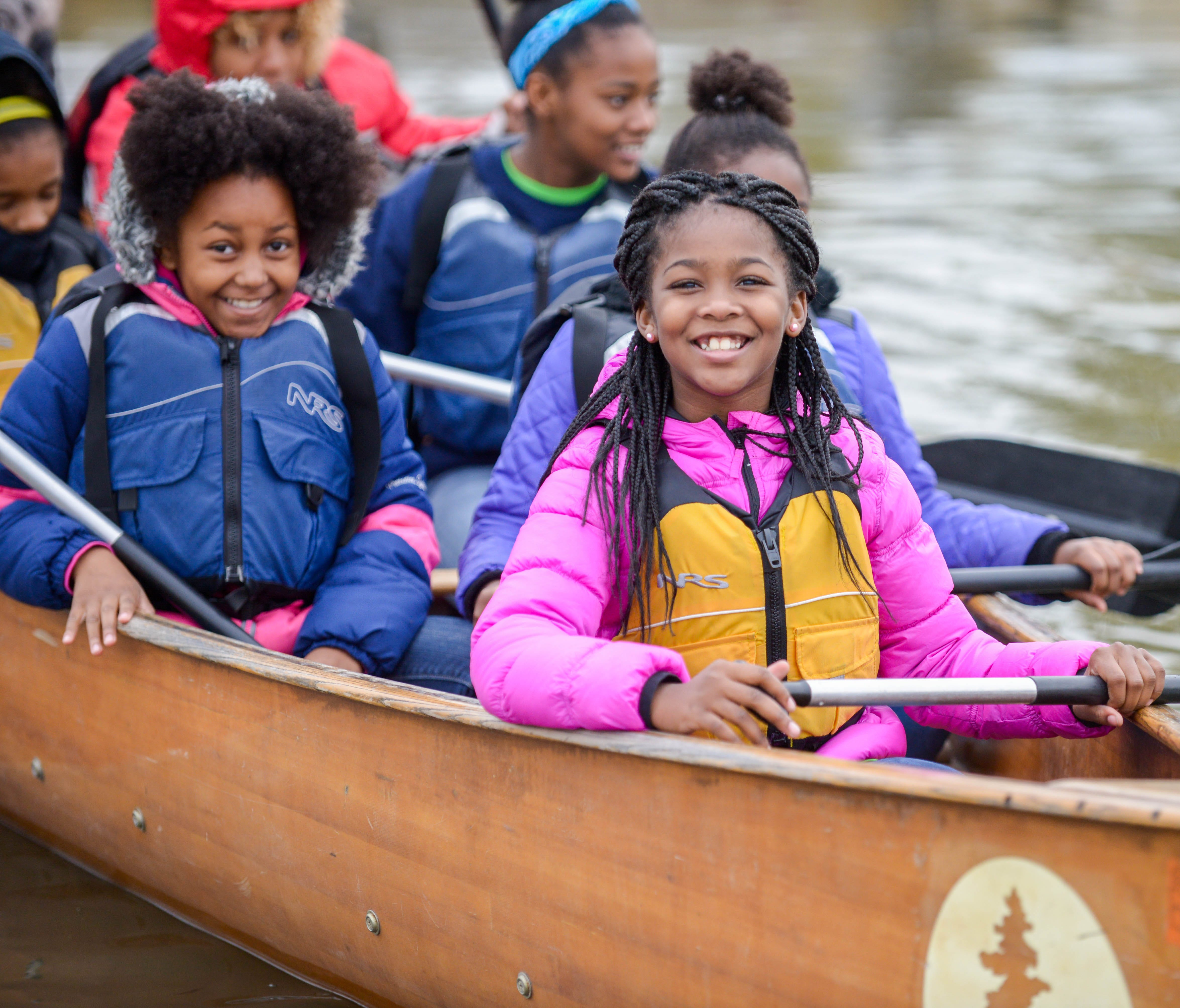 Buddy Bison students from Washington School for Girls paddle on the Anacostia River (MD).