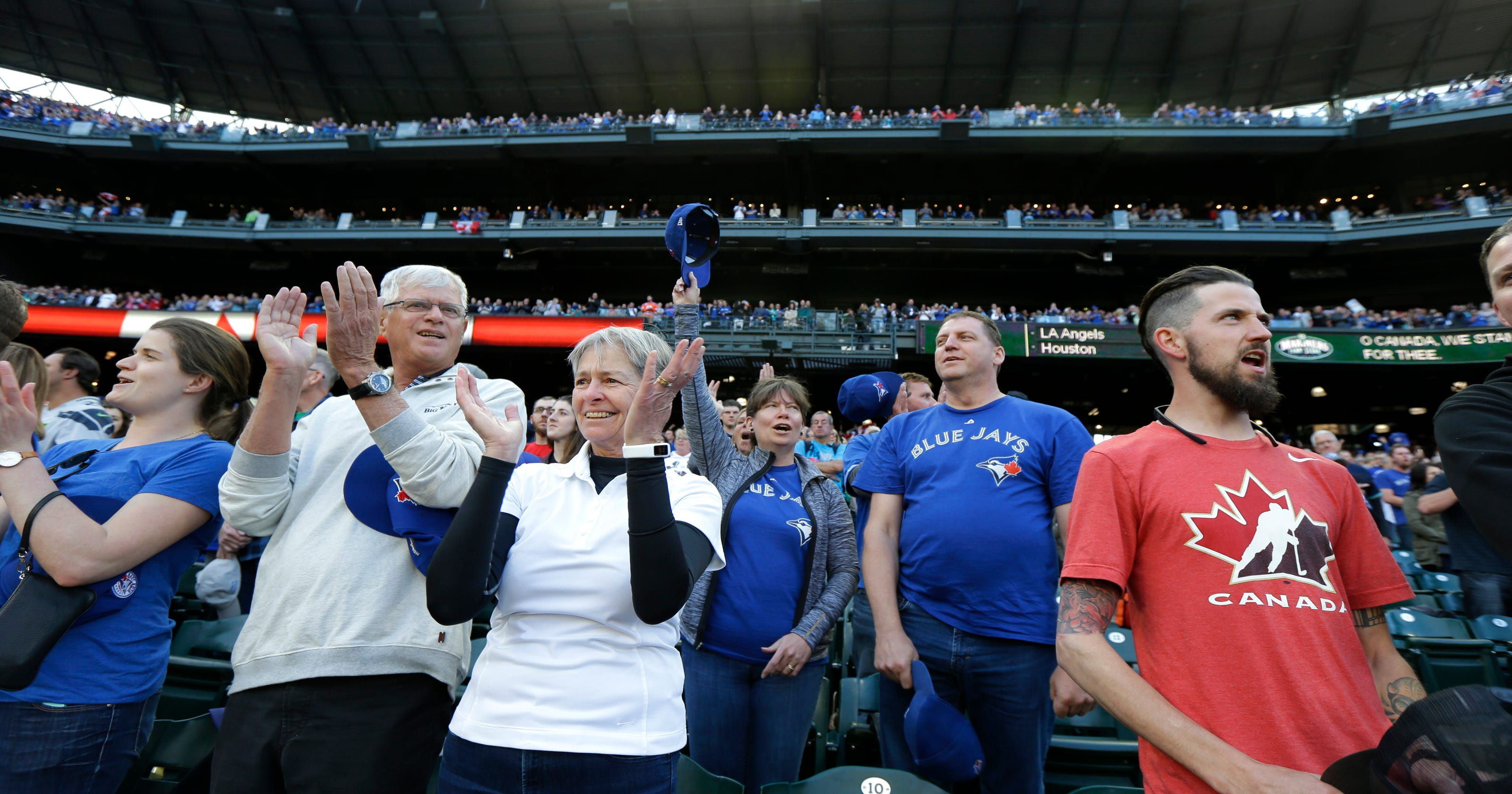 dc18ad6a202 Blue Jays use trio of home runs to knock off Mariners 4-2