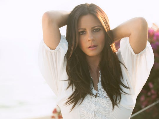 "Sara Evans brings her ""At Christmas"" tour to Pensacola on Friday."