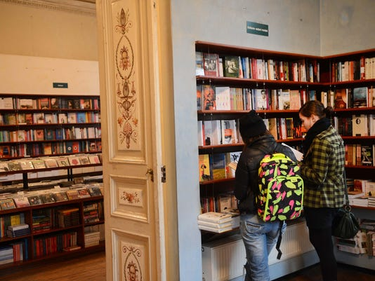 ROMANIA-FRANCE-FAIR-LITERATURE