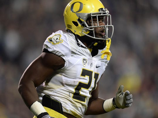 Oregon running back Royce Freeman leads the Pac-12 in rushing and ranks fourth nationally.
