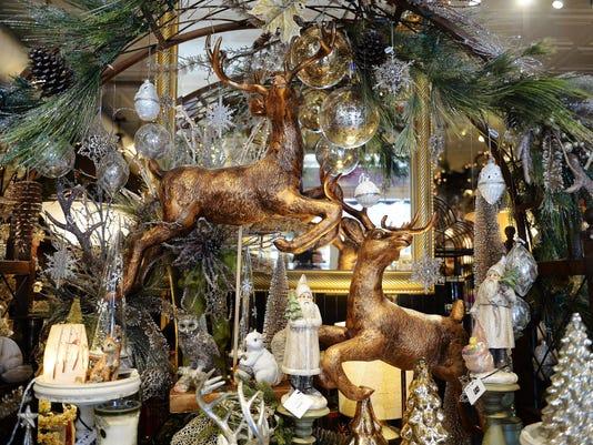 -FTC1124_HolidayShopping_05.JPG_20151124.jpg