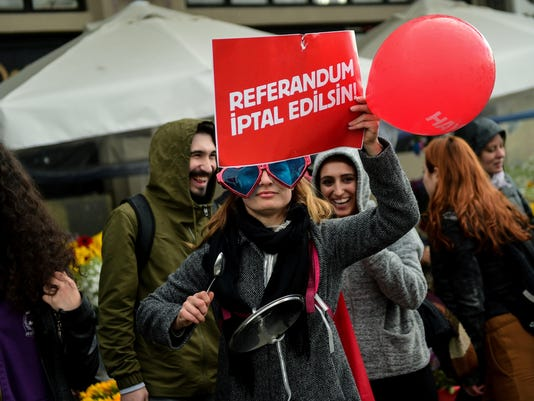 TURKEY-POLITICS-REFERENDUM-DEMO