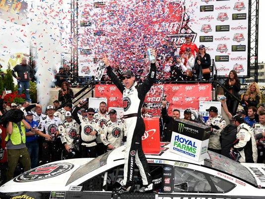 NASCAR_Dover_Auto_Racing_51437.jpg