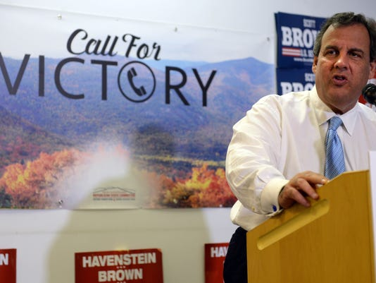 Chris Christie Campaigns With Scott Brown In New Hampshire