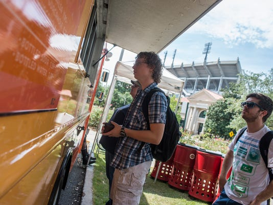Food Trucks Cater To Picky College Students