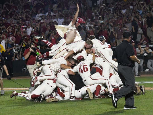 NCAA_South_Carolina_Arkansas_Baseball_60916.jpg