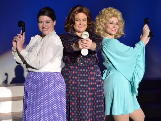 9 to 5 all-female cast art