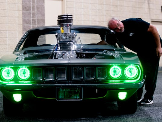 Knoxville Auto Show Cool Cars Include Ferrari Corvette And - Green cool cars