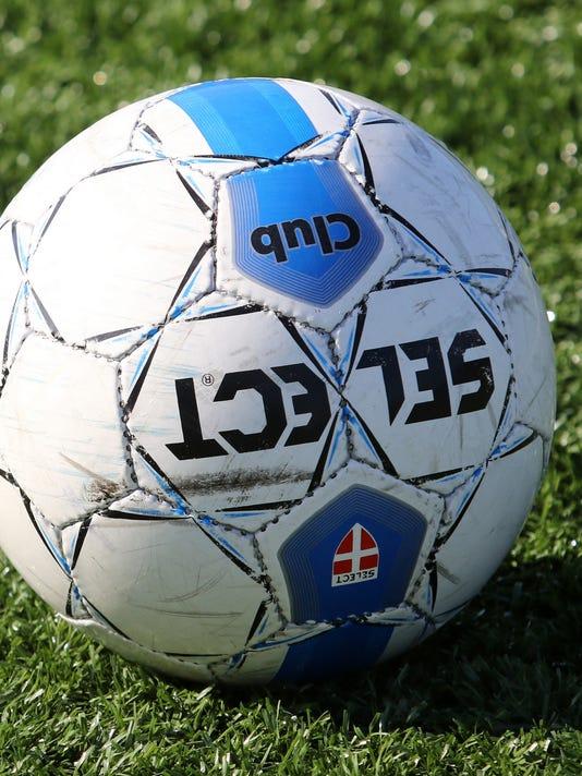 635819245619357139-girls-soccer