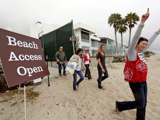 CORRECTION Malibu Beach Access