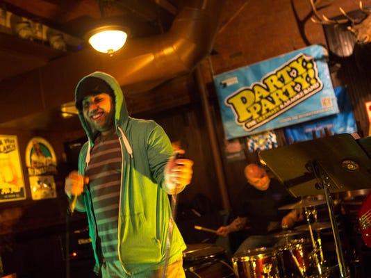 -Hessen Karaoke 14.jpg_20140414.jpg