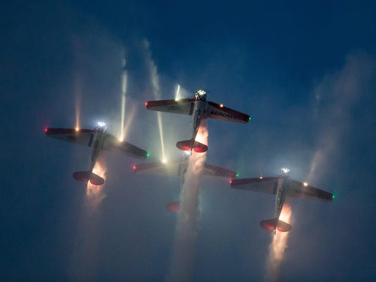 OSH EAA airshow action Saturday_07252015_JK_016