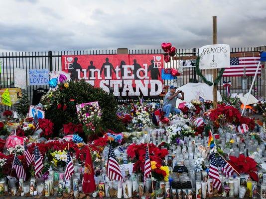 FBI pulls items from lake in San Bernardino terrorism investigation, source says