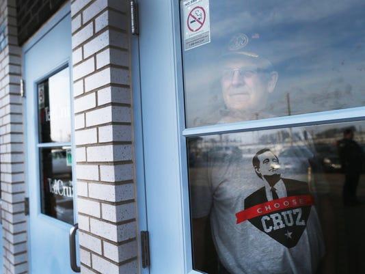 BESTPIX Ted Cruz Campaigns In Eastern Iowa Ahead Of Caucuses