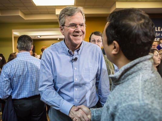 GOP Presidential Candidate Jeb Bush Campaigns Day Ahead Of Iowa Caucus