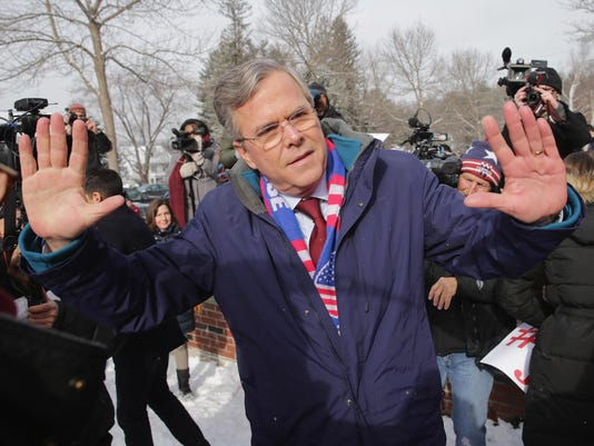 BESTPIX - Jeb Bush Campaigns On New Hampshire Primary Day