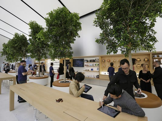 Apple Rethinking Retail