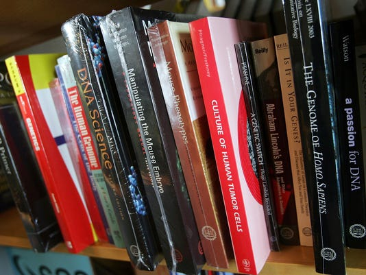 Cost Of University Textbooks Rises To About $900 Per Year