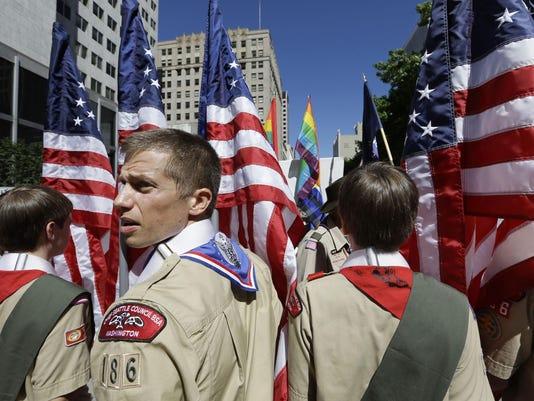 SNLBrd_12-29-2013_NewsLeader_1_A005--2013-12-28-IMG_Boy_Scouts_Gays_27_1_LN6