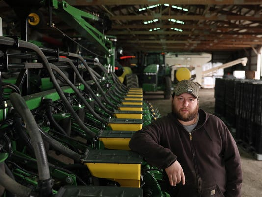 """2017 may be """"tipping year"""" in tightening farm economy"""