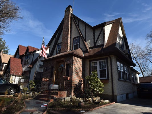 NY: President-Elect Donald Trump Childhood Home For Sale