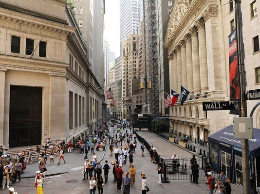 Dow Plunges Over 500 Points Amid Italian Political Instability
