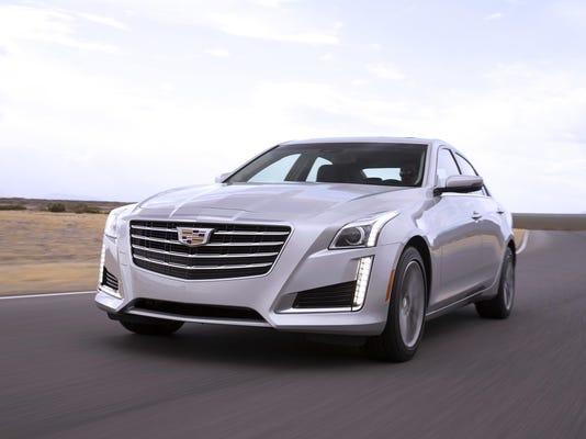 2017-Cadillac-CTS-Sedan-003