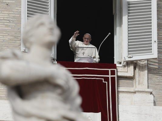 Vatican Pope (2)