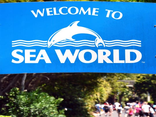 All riders rescued from SeaWorld gondola ride after malfunction