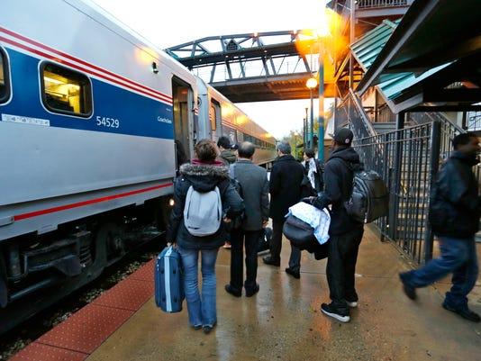 -LAF Rail Ride_03.jpg_20131122.jpg