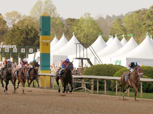 Arkansas Derby Horse Racing (3)