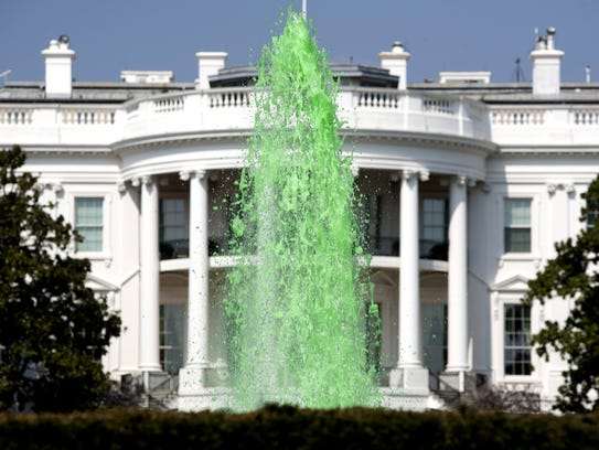 The White House started dyeing the fountain on the