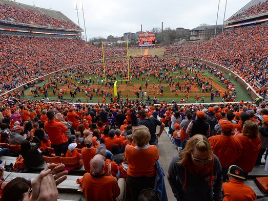 Thousands of Clemson fans take part in Clemson's National