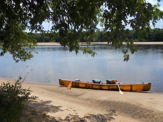 635941973710411197-canoe.jpg